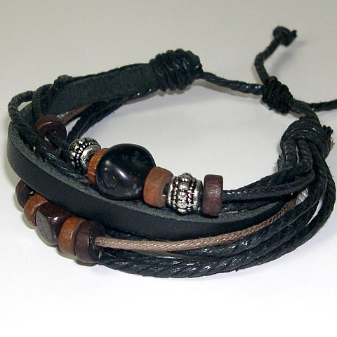 Мужские браслеты из кожи и камней